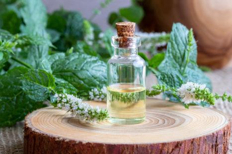 5 Ways Essential Oils Help Find Your Inner Spirit