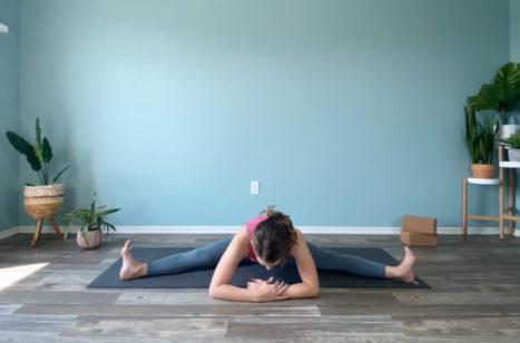 Middle Split Stretch – Full Length Prep For Middle Splits Yoga Class