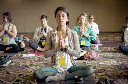 8 Benefits Of Group Yoga
