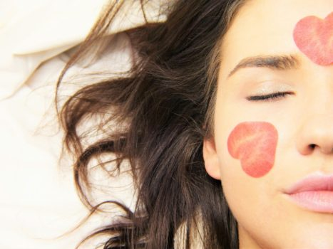 6 Steps To Sleep Your Way To Brighter, Healthier Skin